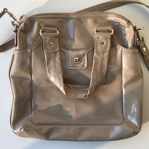 MARC BY MARC JACOBS PATENT LEATHER CROSSBODY